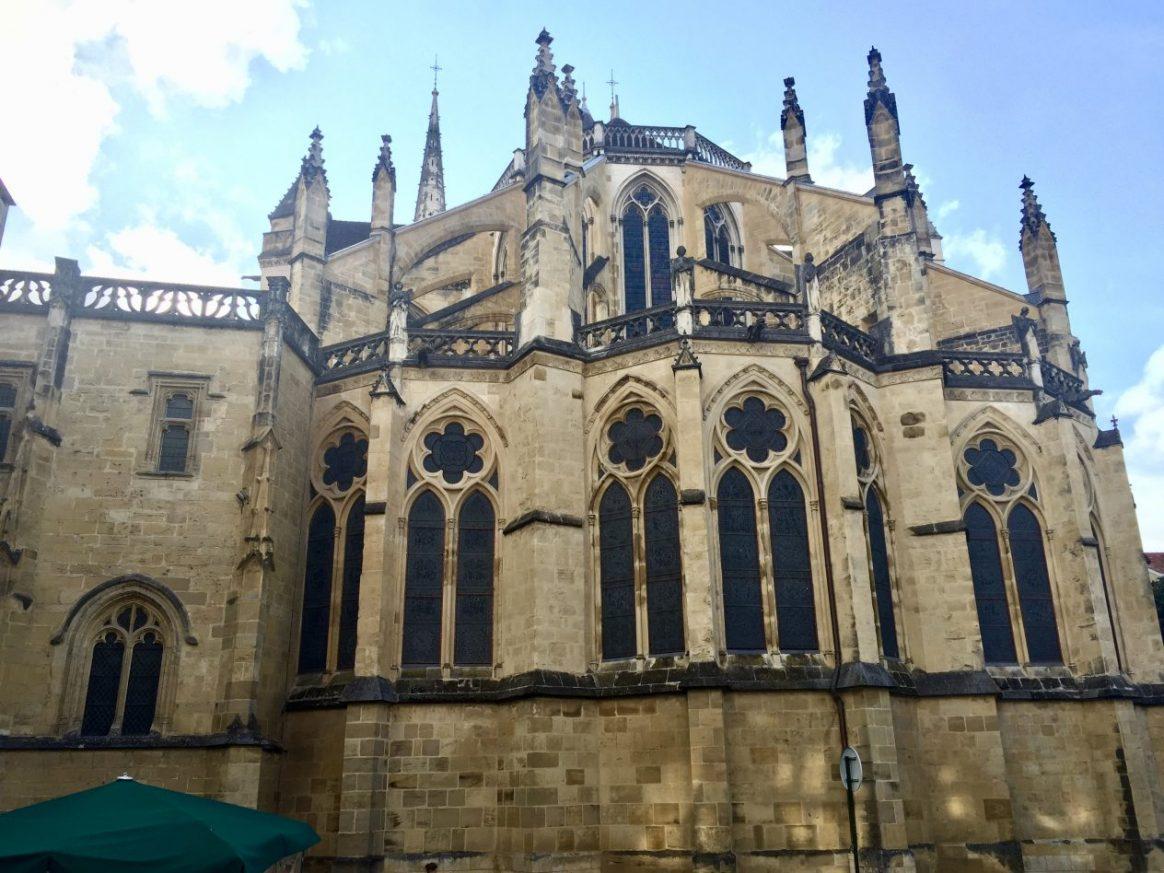 Le chevet de la cathédrale Sainte-Marie de Bayonne