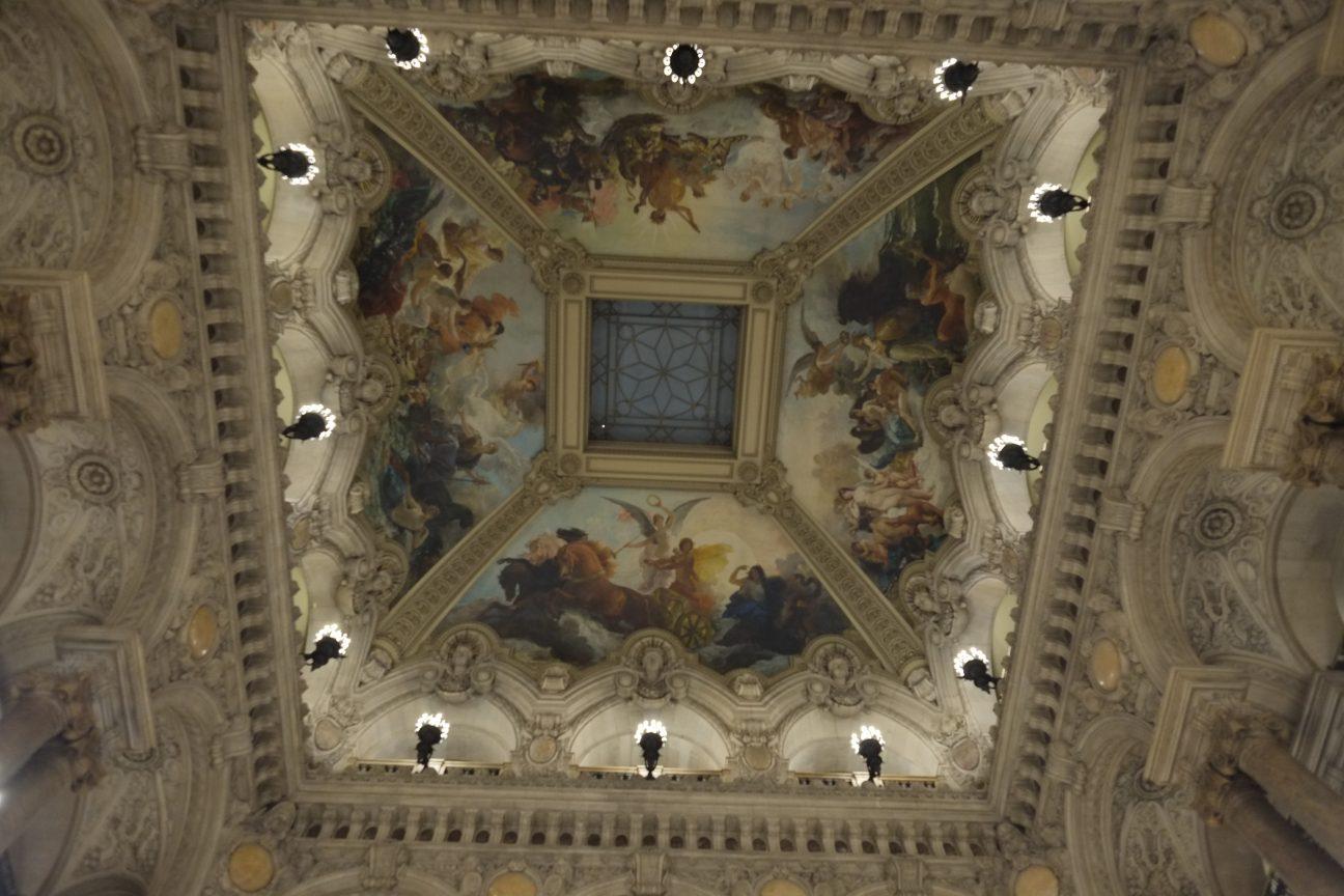 Le plafond de la coupole du Palais Garnier le plus bel Opéra de tout un pays