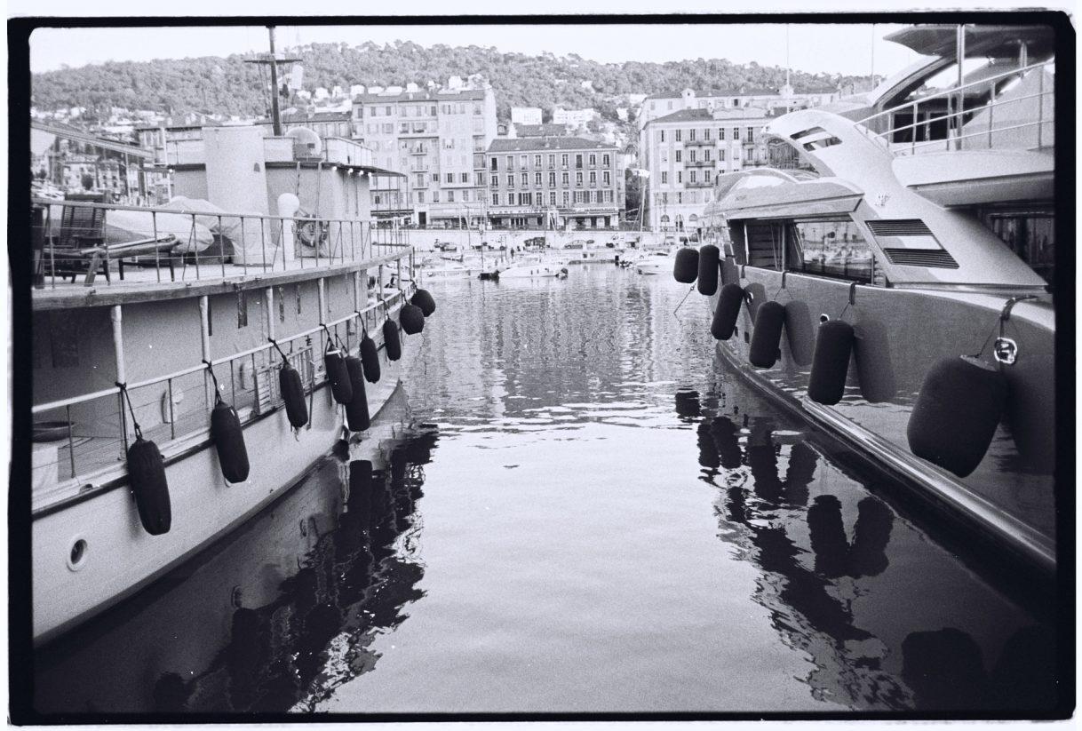 Le port de Nice depuis le quai des Docks
