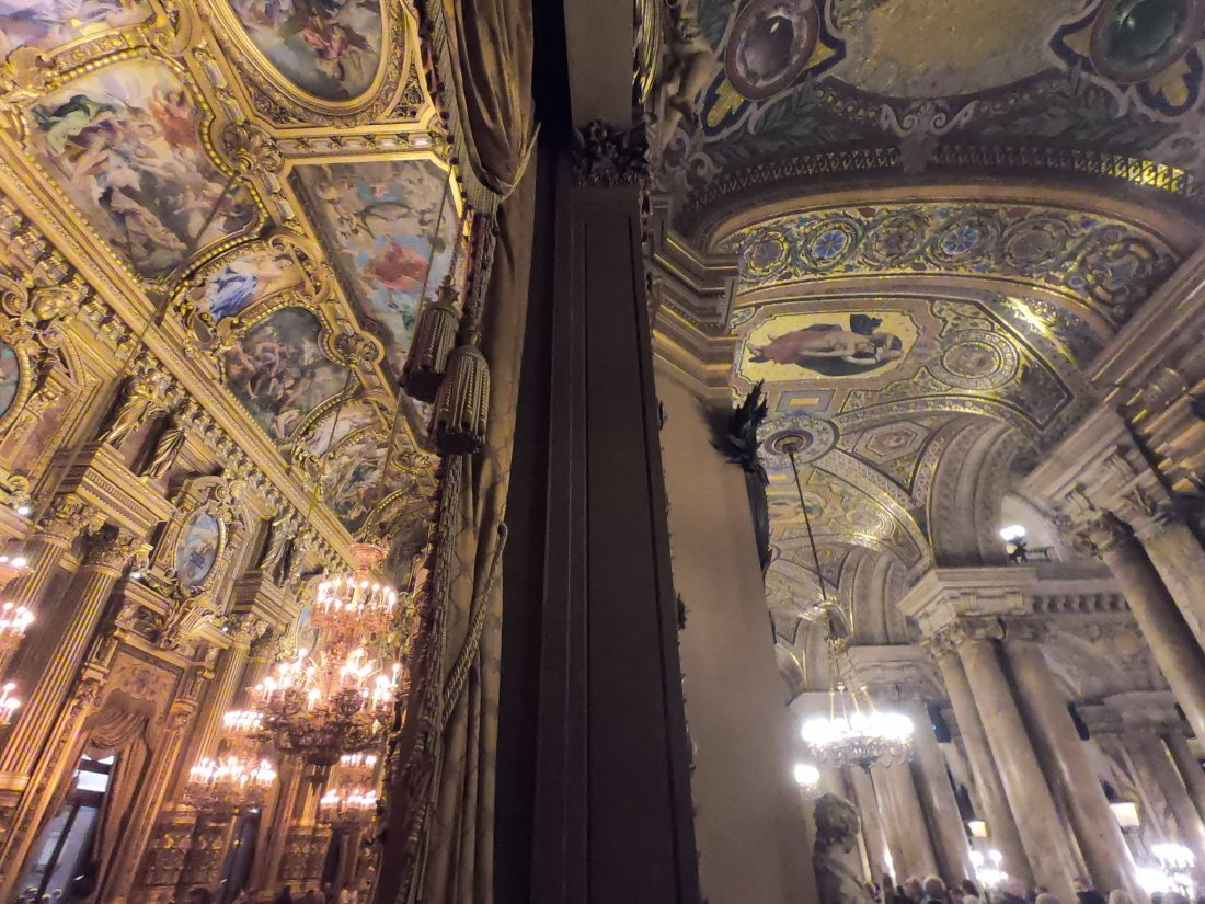 Les splendides plafonds du Palais Garnier © Yann Vernerie