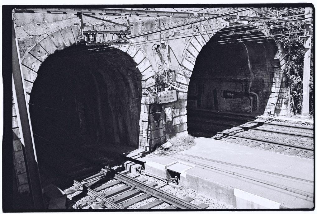 Les tunnels de Bayonne qui mènent vers Hendaye et Guéthary ou Biarrtiz