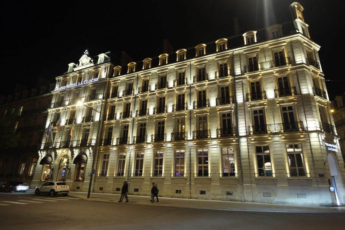L'hôtel de la Cloche sur la place Darcy à Dijon
