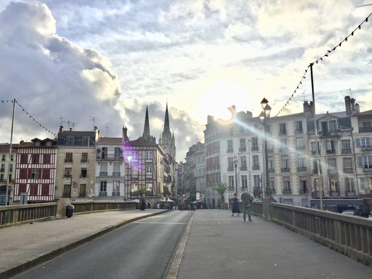 Sur les ponts de la belle ville de Bayonne