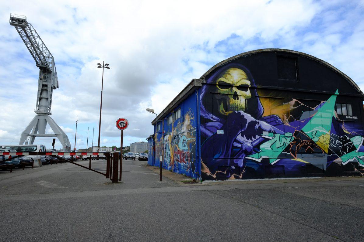 Un hangar le long des quais de la Loire à Nantes
