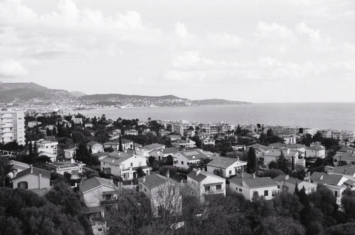 Une vue de Nice depuis le quartier de la Lanterne