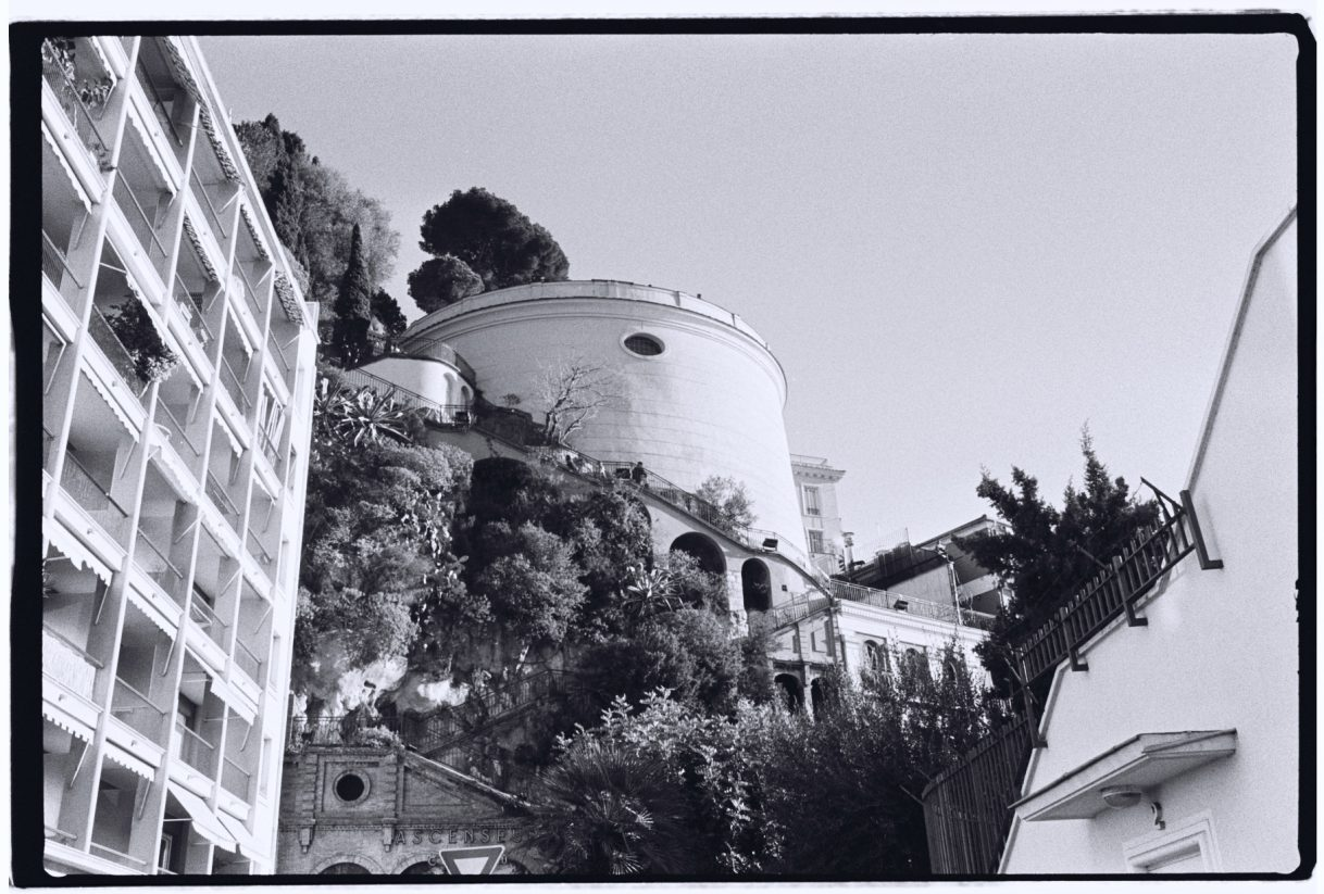 Une vue sur le parc du château le plus bel endroit pour admirer Nice