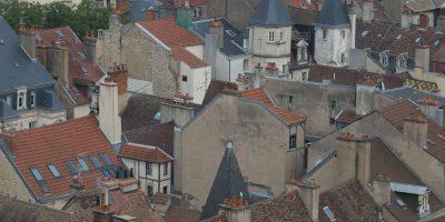 Un méli mélo de bâtiments depuis la Tour de Philippe le Bon à Dijon